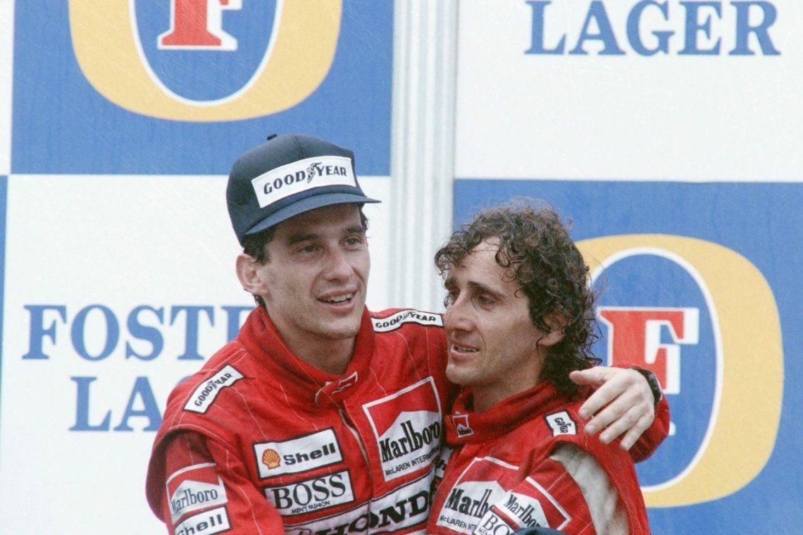 1988 | Senna abraza a su compañero de equipo y ganador del Gran Premio de Australia