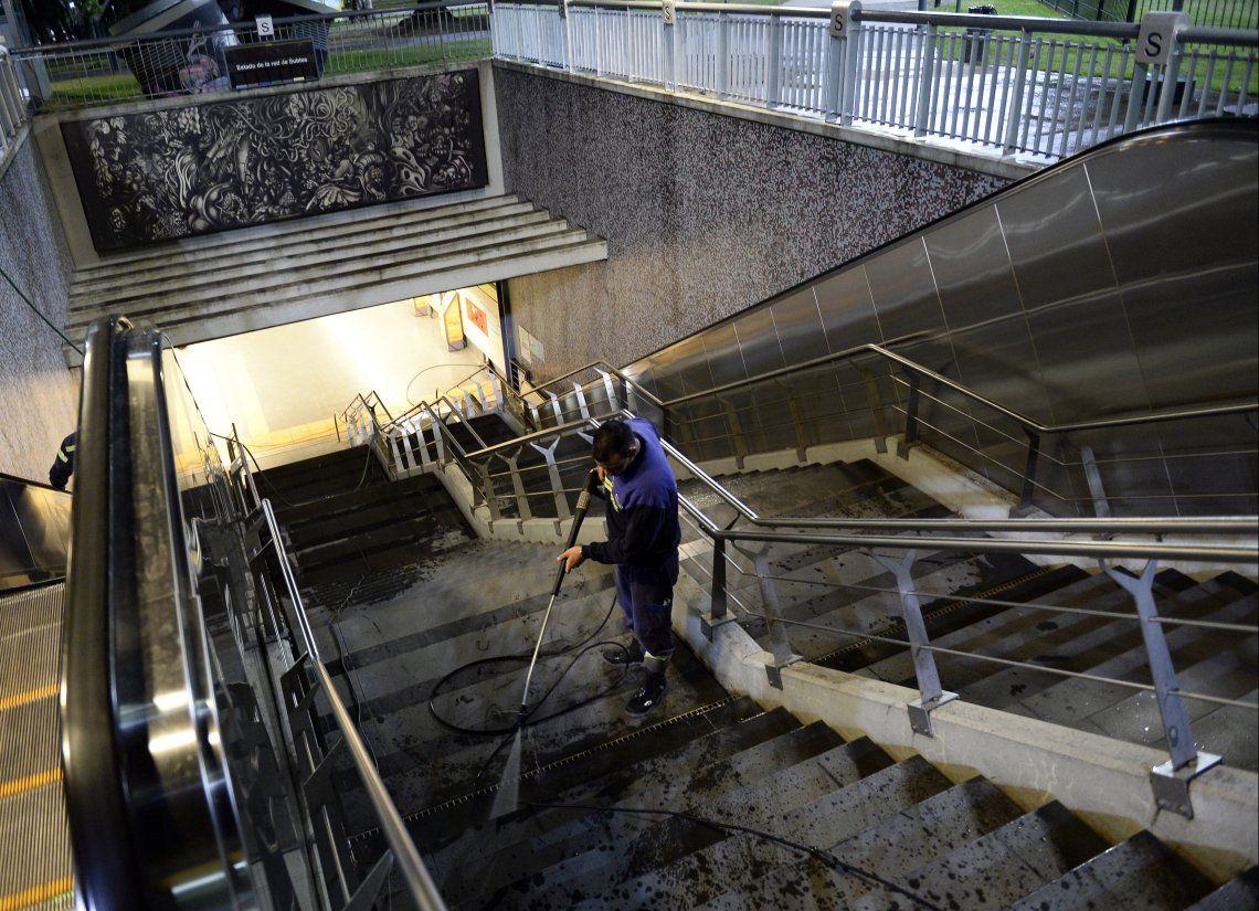 Los trabajos en el subte durante la noche en fotos