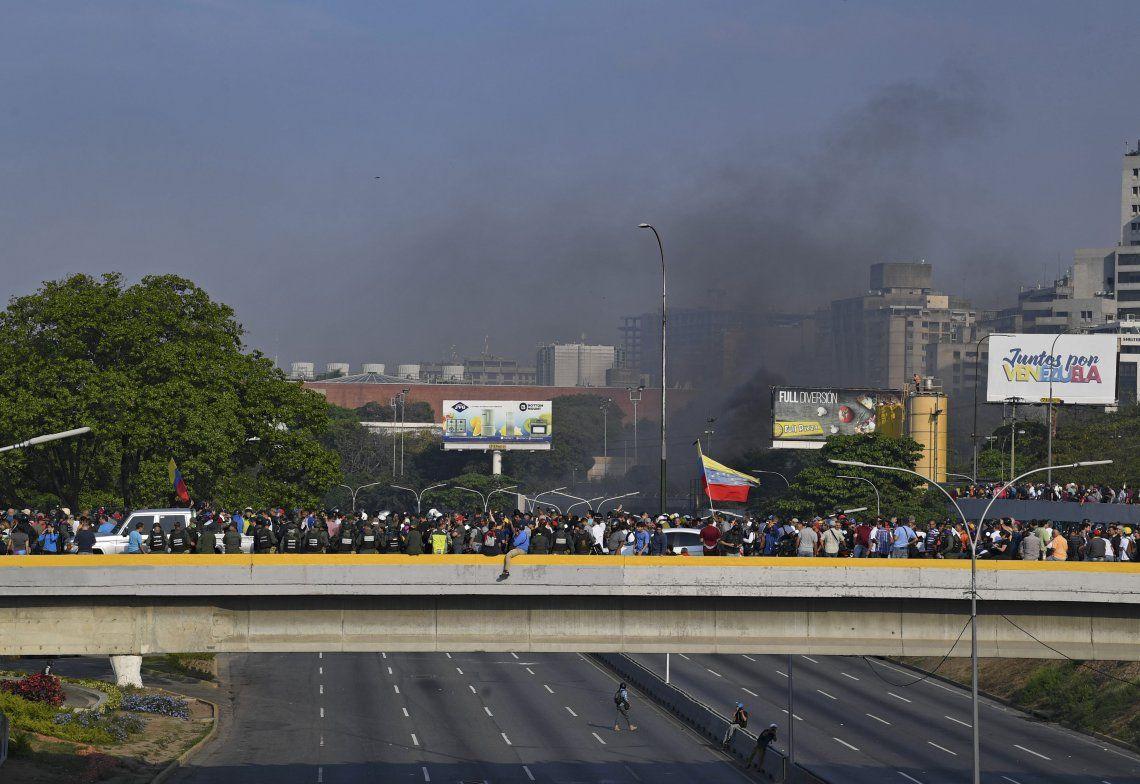 El chavismo aseguró que el levantamiento está controlado