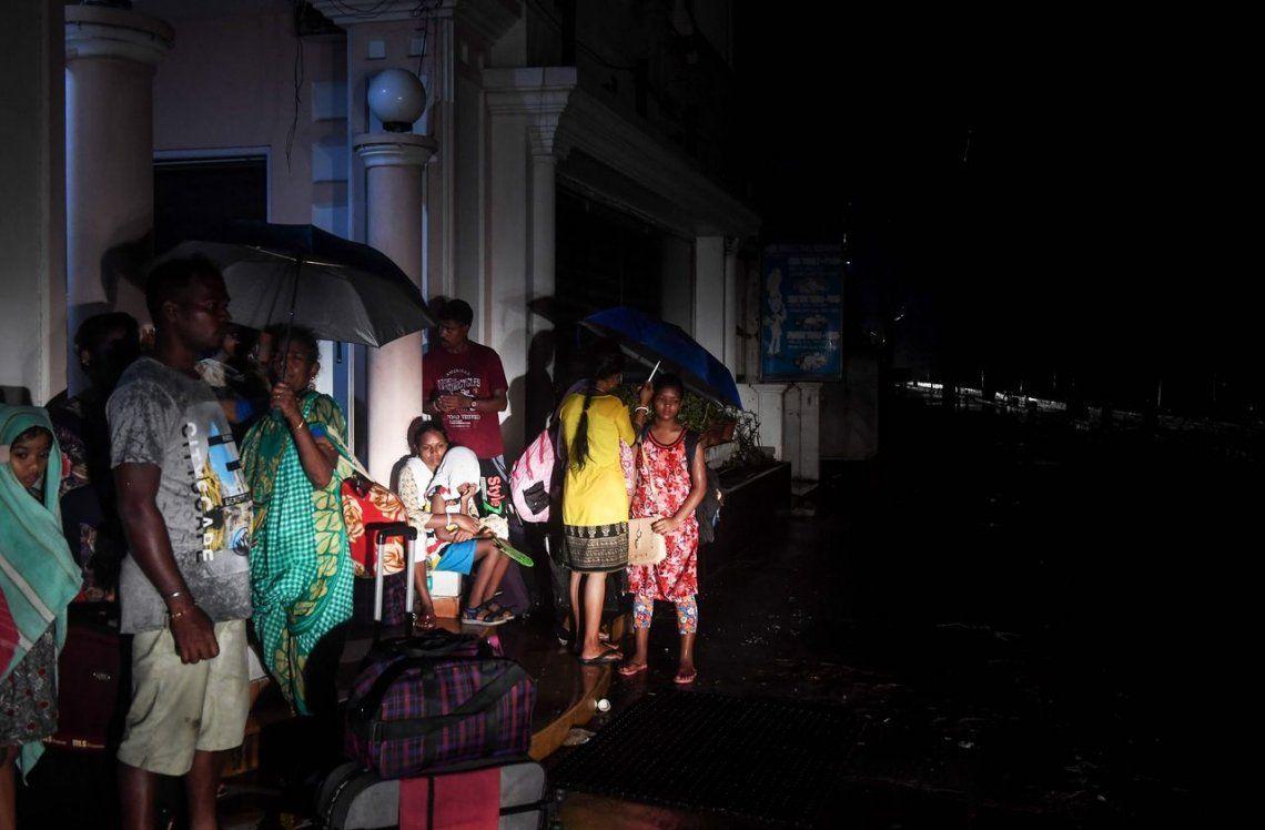 India: el poderos ciclón Fani tocó tierra en la costa este