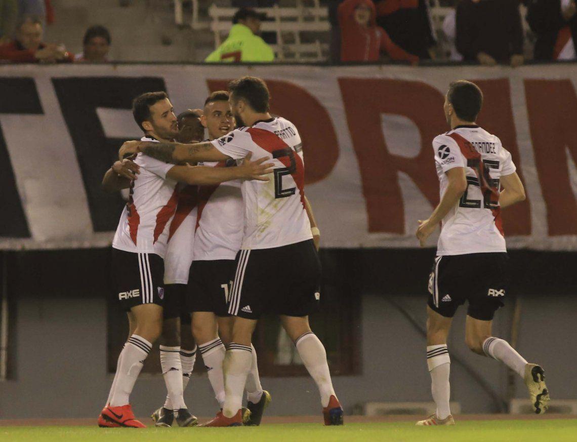 Con De la Cruz endemoniado, River goleó a 6-0 a Aldosivi y avanzó a cuartos de final de la Copa Superliga
