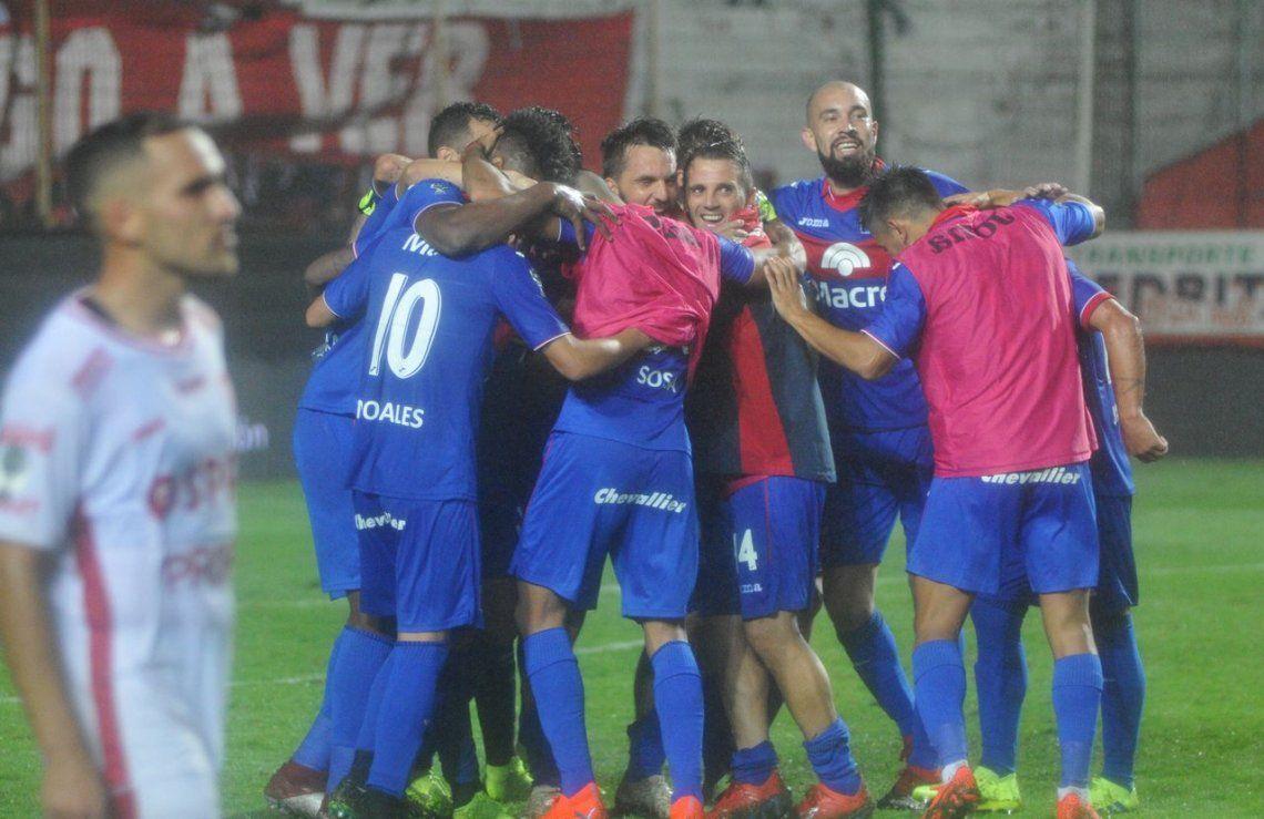 Tigre sigue sorprendiendo: remontó la serie ante Unión y avanzó