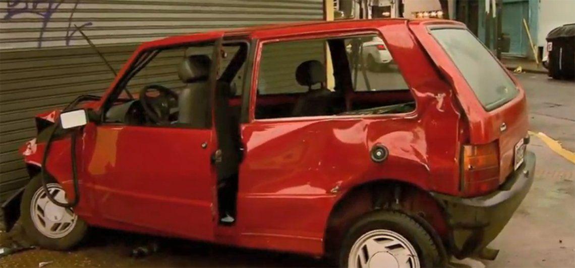Brutal choque entre dos autos en Av. Independencia y La Rioja