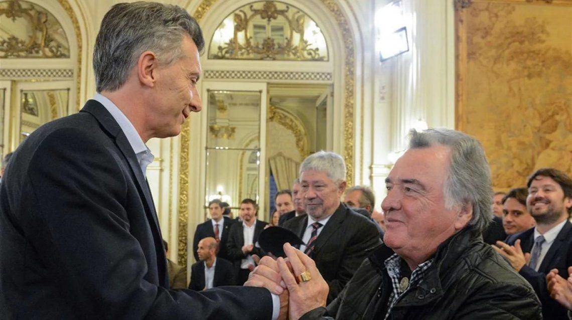 Macri amplió la convocatoria y citó a referentes de la Iglesia y la CGT