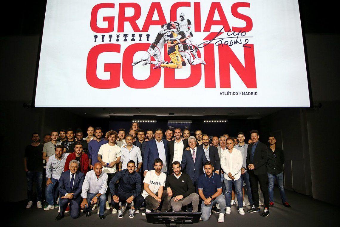 Godín se despidió del Atlético Madrid para irse al Inter - @Atleti