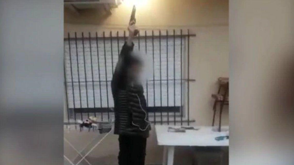 Lomas del Mirador: alerta en una escuela por un alumno que se filmó disparando y que amenazó una masacre