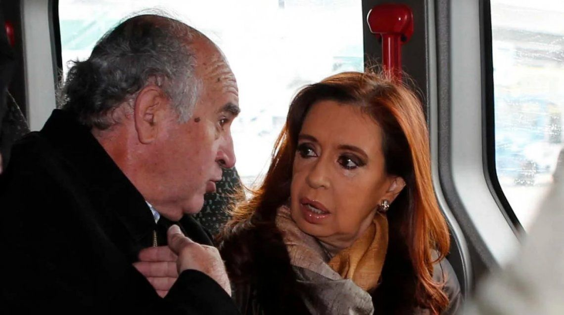 Parrilli no descartó un encuentro entre Cristina Kirchner y Mauricio Macri