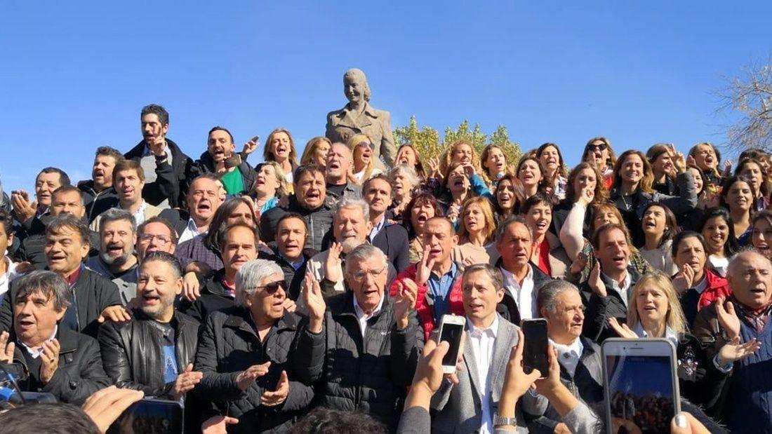 El PJ bonaerense homenajeó a Evita en Los Toldos