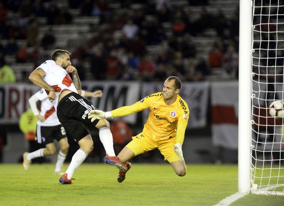 Sigue el invicto: River consiguió empatar en el último suspiro ante Inter de Porto Alegre