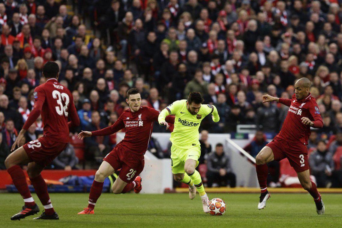 Messi la pasó mal en el aeropuerto de Liverpool