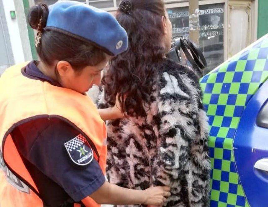 Quilmes: mechera intentó robar un par de zapatillas en una faja y terminó detenida