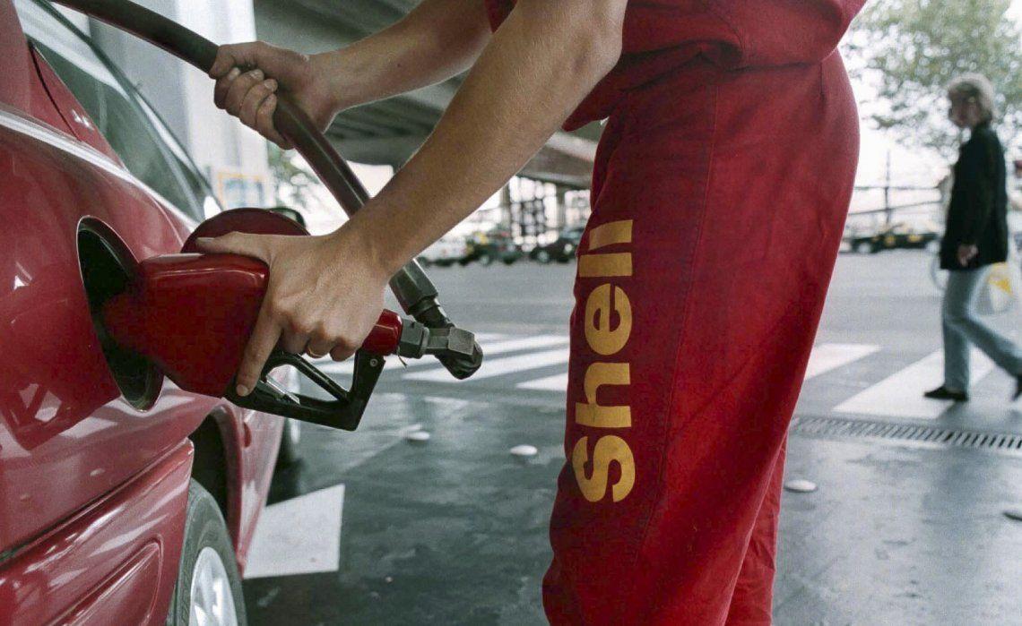 Aseguran que en junio sí o sí van a aumentar los combustibles y alertan sobre un problema de consumo.