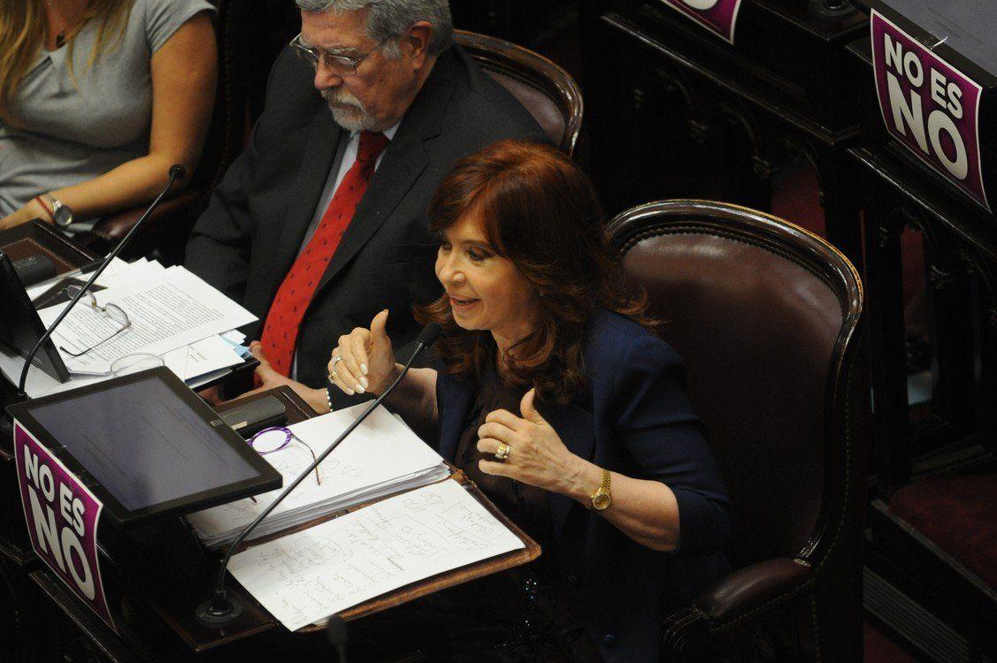 Cristina Kirchner se solidarizó con Héctor Olivares y pidió que se esclarezca el hecho