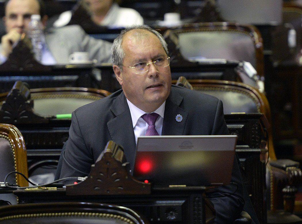 El diputado Héctor Olivares preside la Comisión de Transporte de la Cámara baja.
