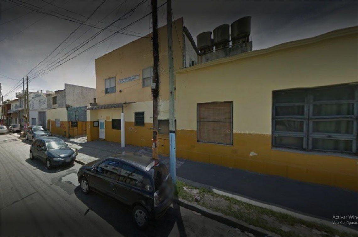 Bernal: una escuela secundaria, en alerta por caso de tuberculosis