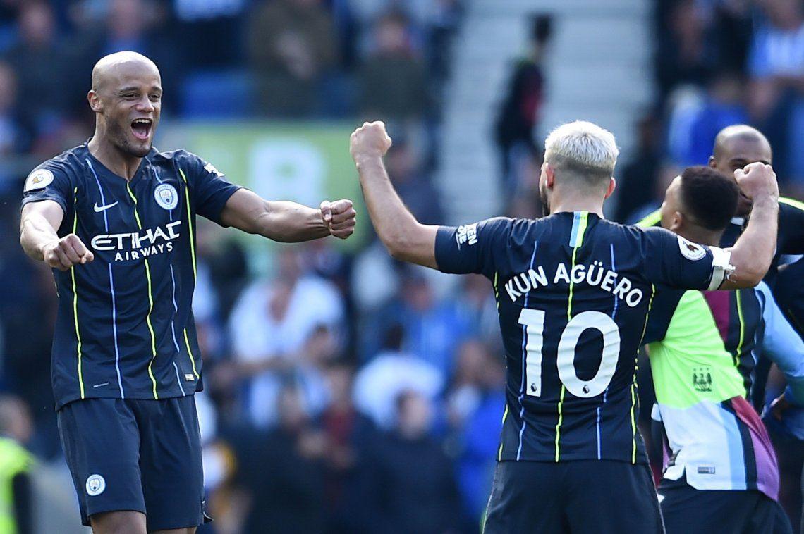 Otamendi y Agüero gritaron campeones en el Manchester City