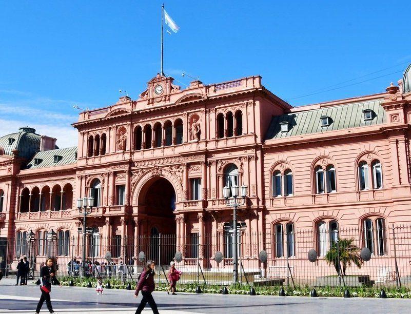 Detuvieron a un hombre armado que intentó entrar a ver al Presidente a la Casa Rosada