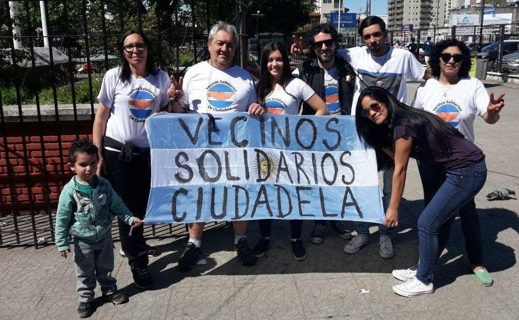El grupo Vecinos Solidarios de Ciudadela lleva adelante el merendero.