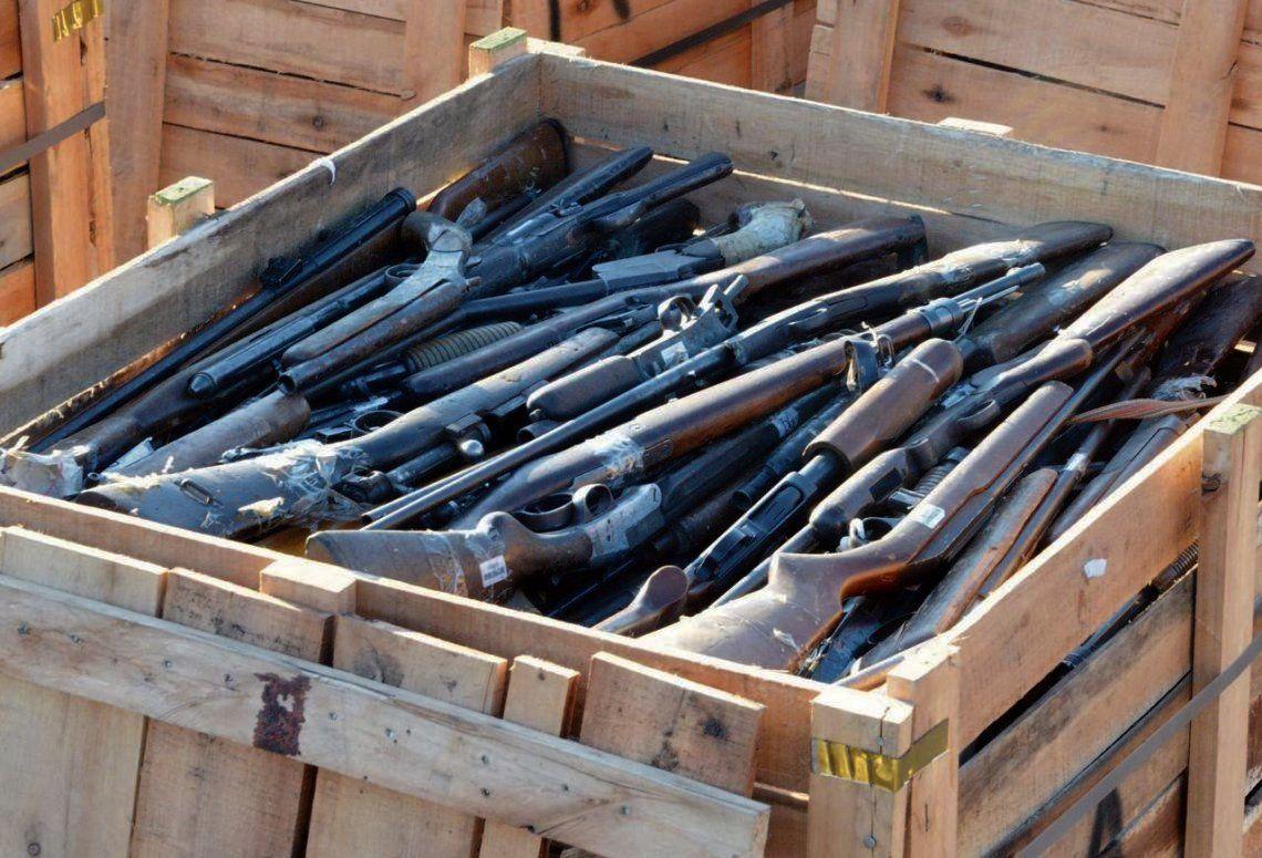 El especialista resaltó la necesidad de profundizar el programa de entrega voluntaria de armas.