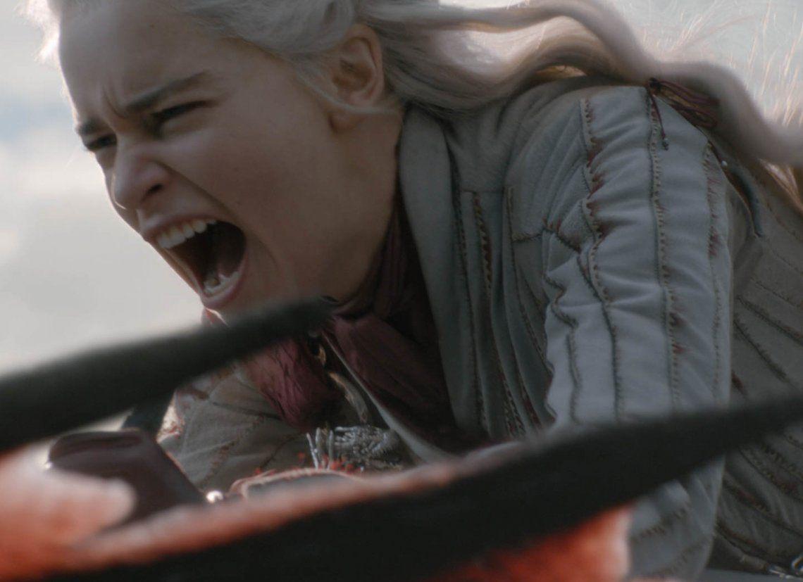 p La cabellera de Daenerys es como si tuviera el cabello de ocho personas
