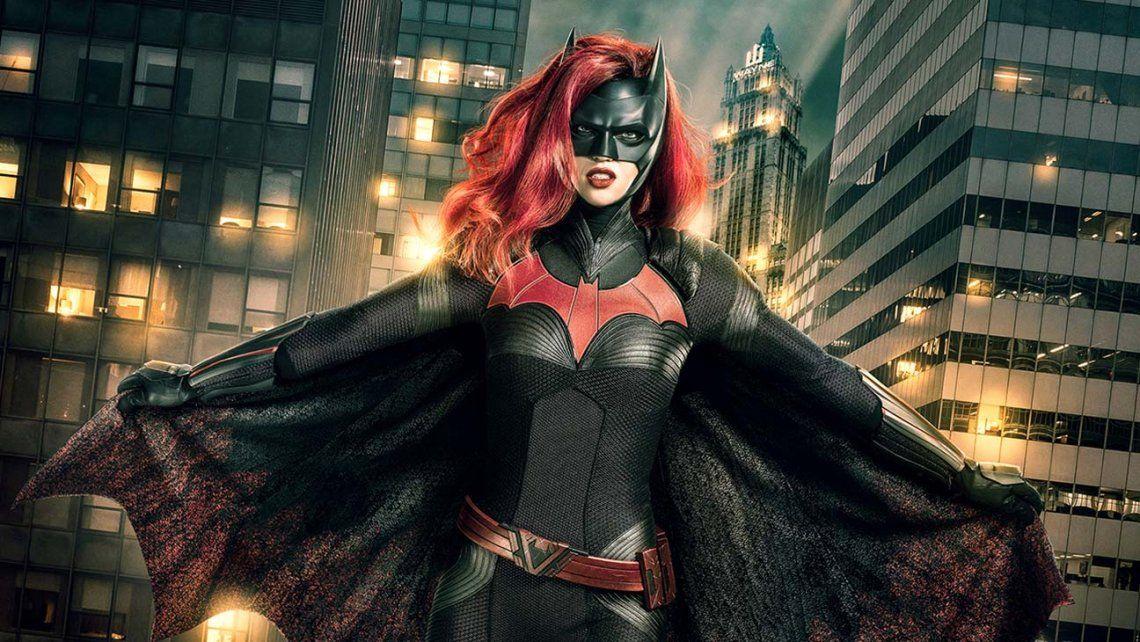Batwoman: el primer trailer nos presenta a una heroína distinta