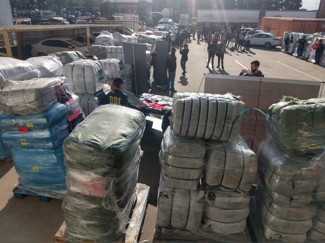 Ritondo y Santilli presentaron el secuestro récord de mercadería tras desbaratamiento de banda de contrabandistas