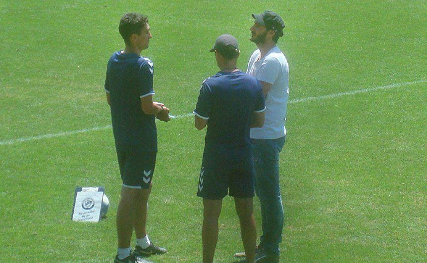 Manager y técnico fueron ratificados por la nueva Subcomisión de Fútbol de Quilmes.