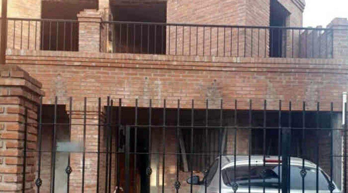 El robo ocurrió dentro de esta casa del barrio Villa Morra.