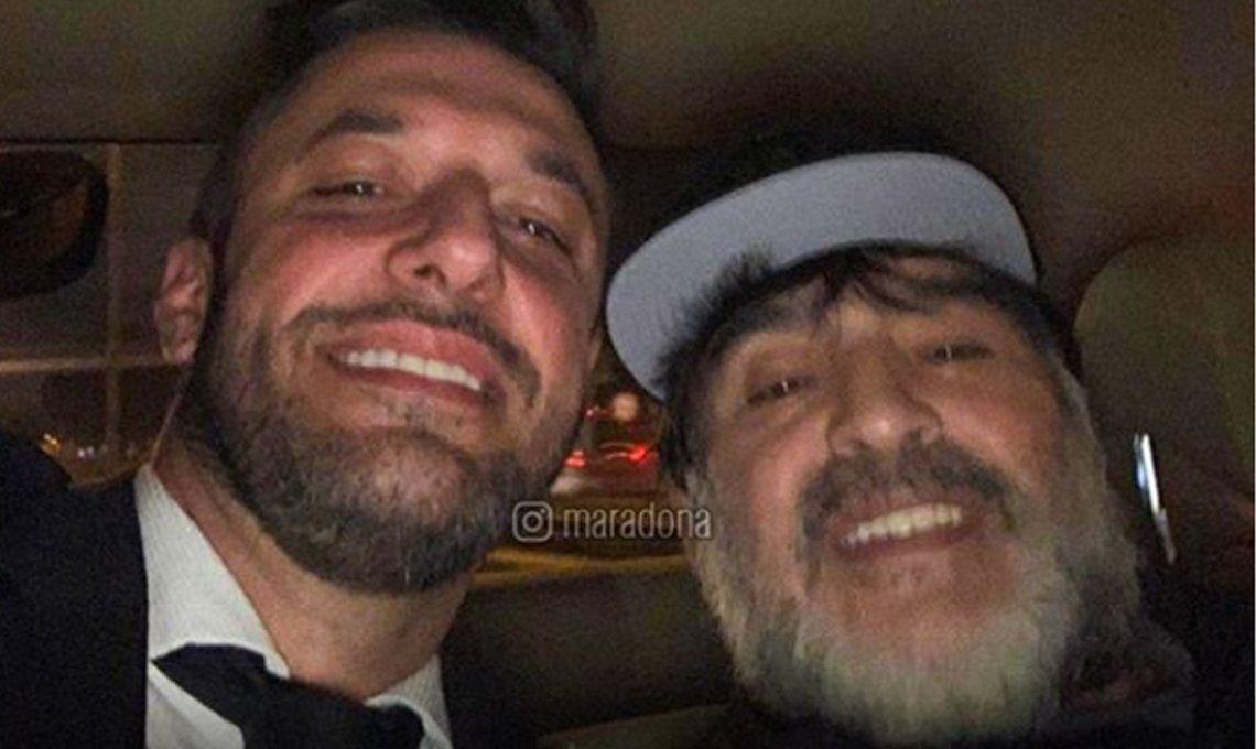 Diego Maradona llegó al país, bancó la fórmula de Alberto y Cristina Fernández y recibió citatorio de Rocío Oliva