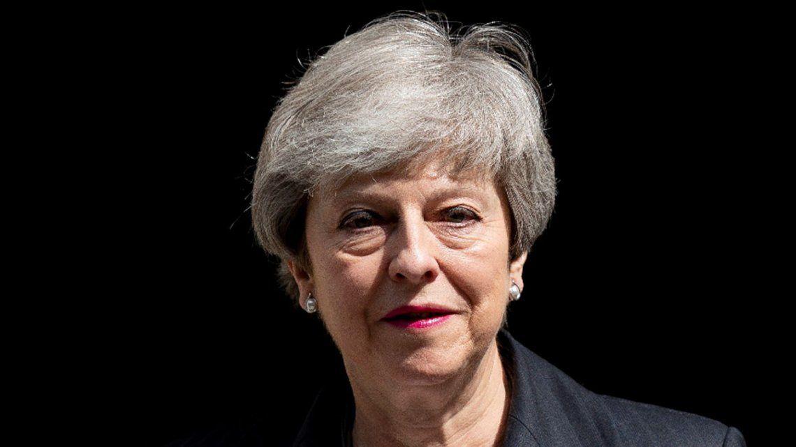 En medio de rumores de renuncia, Theresa May insiste con el Brexit
