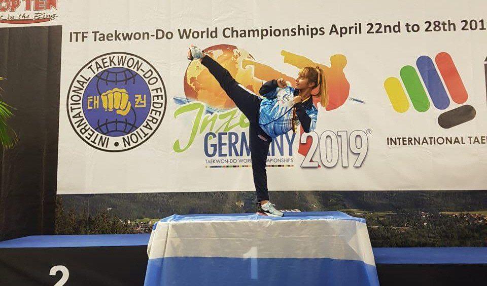La atleta de Rafael Castillo logró meterse en el podio del mundial de TWD.