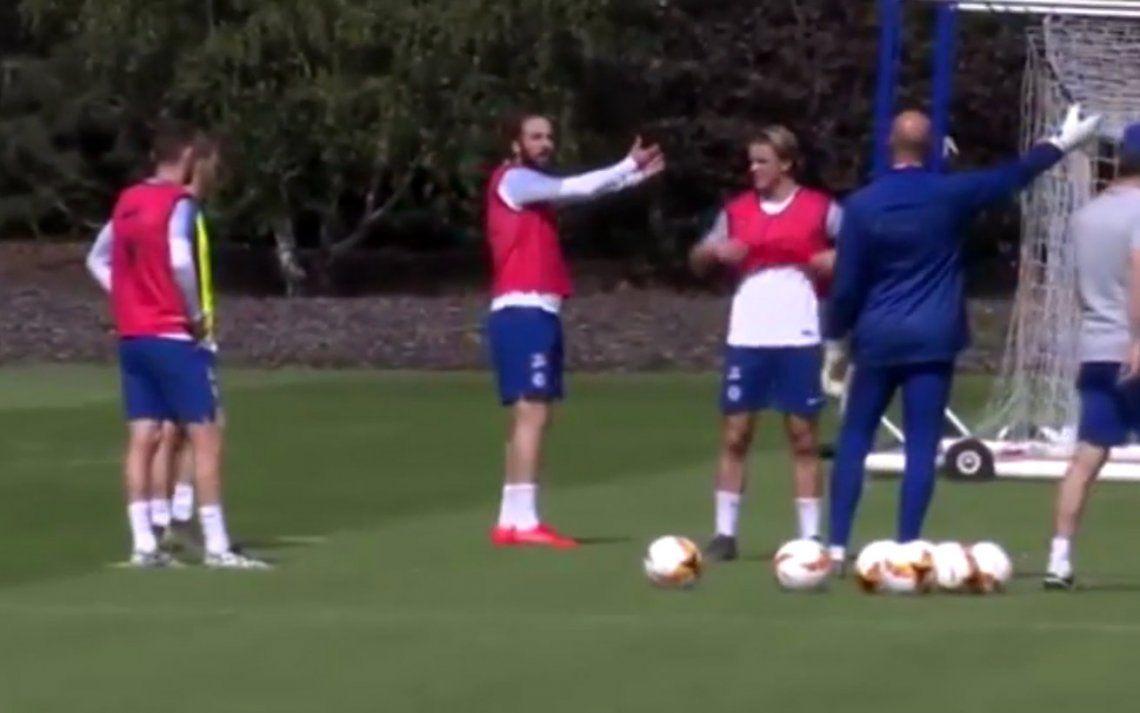 Gonzalo Higuaín se calentó y discutió con varios compañeros en la práctica del Chelsea