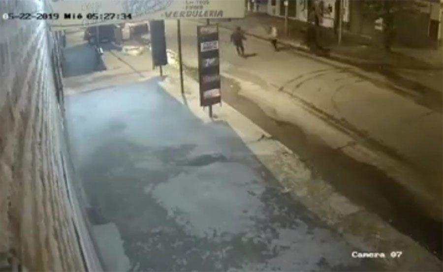 Bernal: apuñalan a una mujer en brutal robo piraña