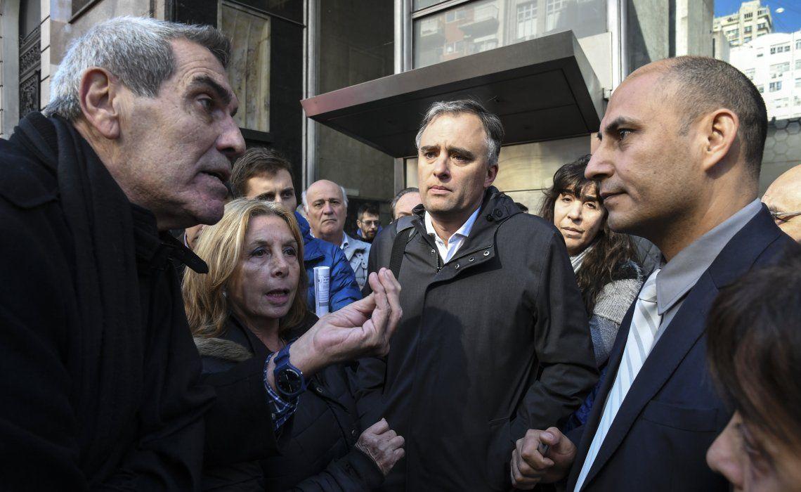 Los manifestantes no aceptaron reunirse con el director médico de la obra social y hubo algunas discusiones.