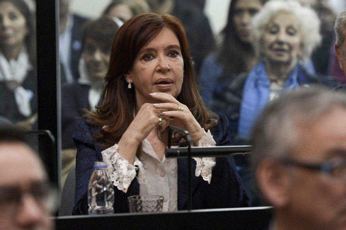 Se reanudará el juicio con Cristina Kirchner ausente con permiso