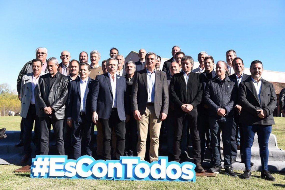 Alberto Fernández compartió un asado con Máximo Kirchner y con intendentes
