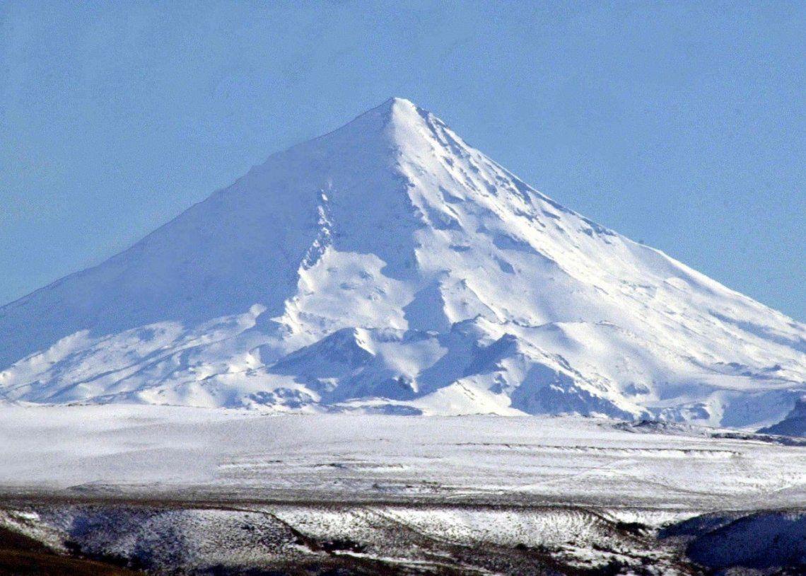 Por el cambio climático, se fracturó la masa de hielo que comparte Chile con Argentina
