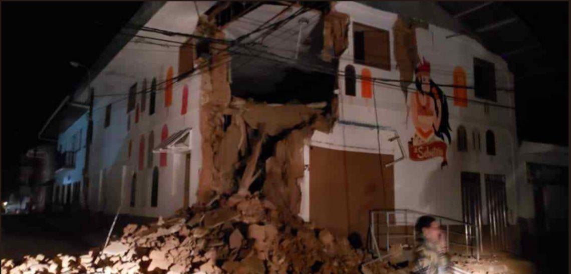Un fuerte sismo de magnitud 7,5 sacudió varias regiones de Perú