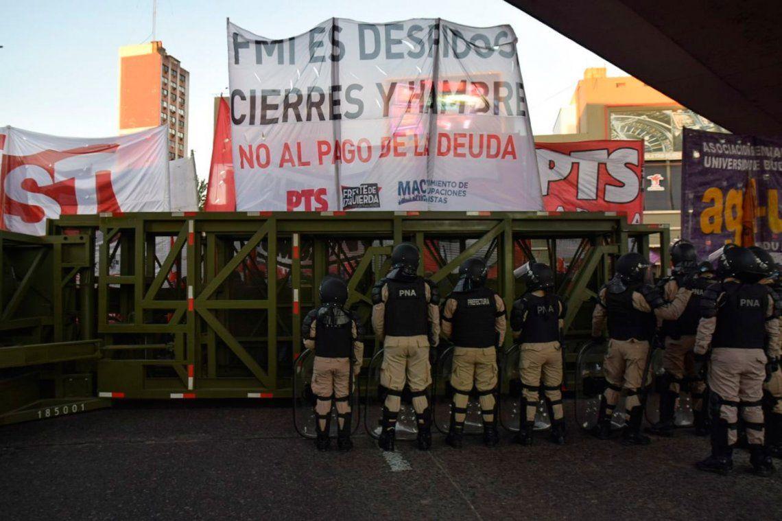 Paro Nacional | La Supervalla, el elemento que usó Prefectura para que manifestantes no subieran al Puente Pueyrredón