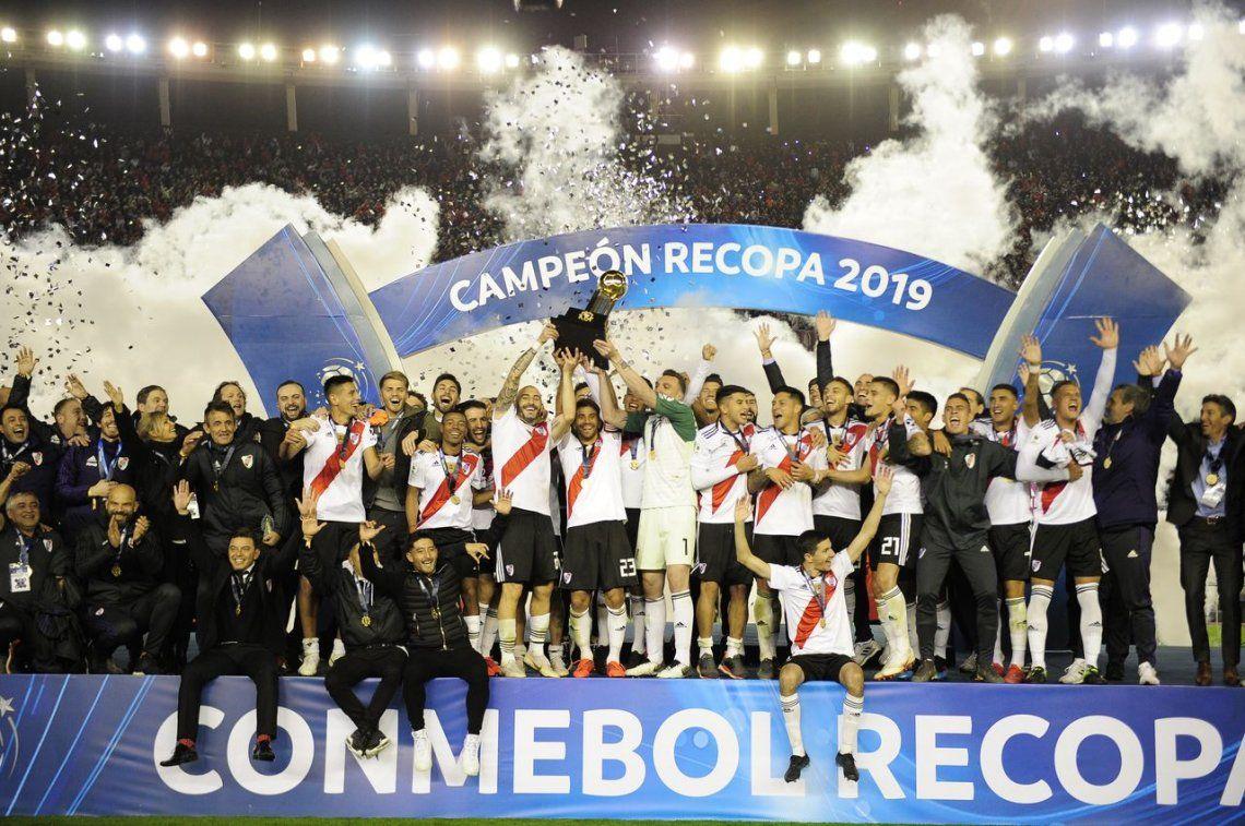 River goleó 3-0 a Atlético Paranaense y sumó el décimo título en la era Gallardo
