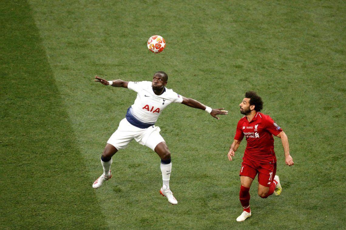 Champions League: la mano de Sissoko que le dio el penal a Salah para la ventaja del Liverpool