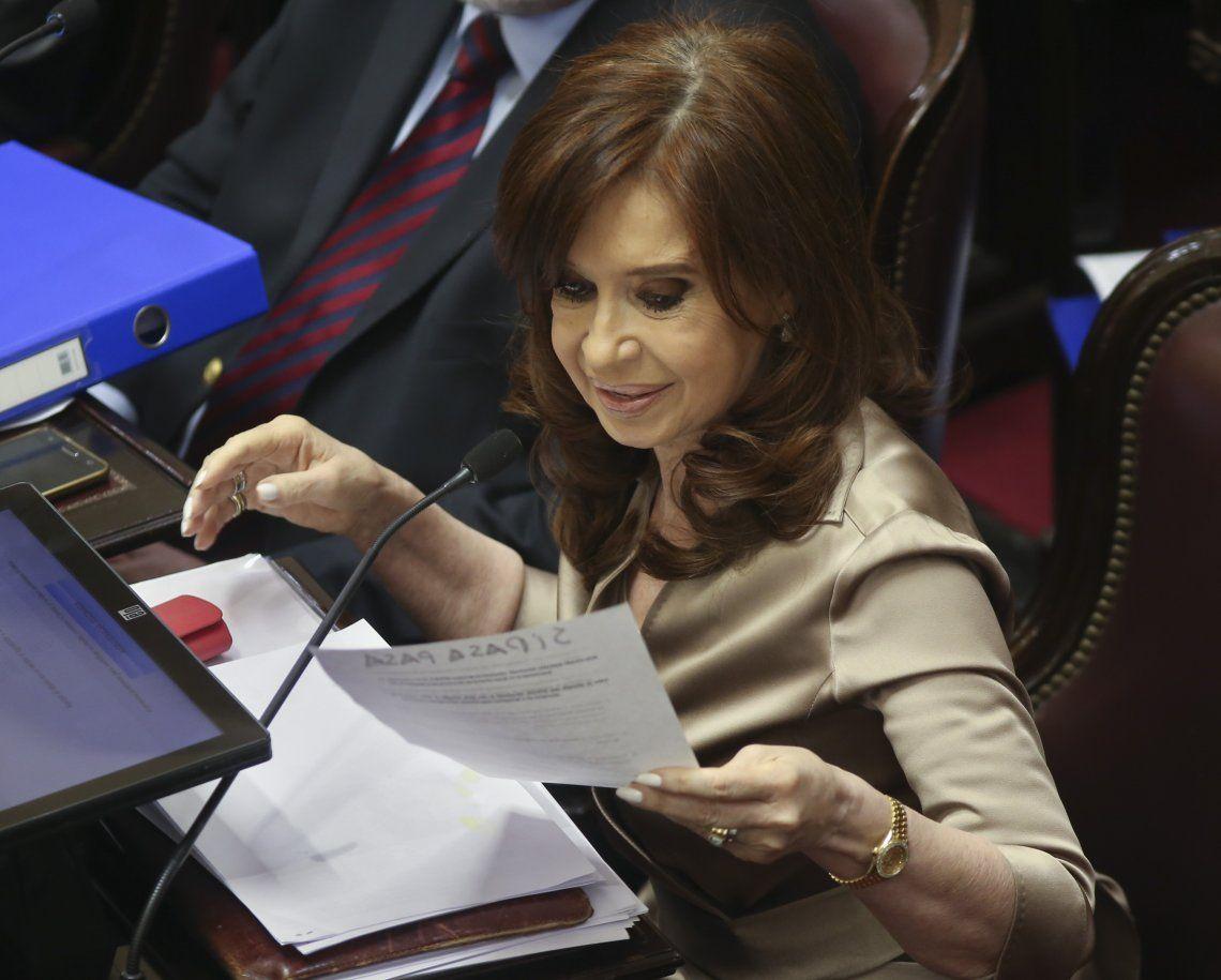 Cristina Kirchner asistió a una reunión parlamentaria y no participa del juicio por la causa Vialidad