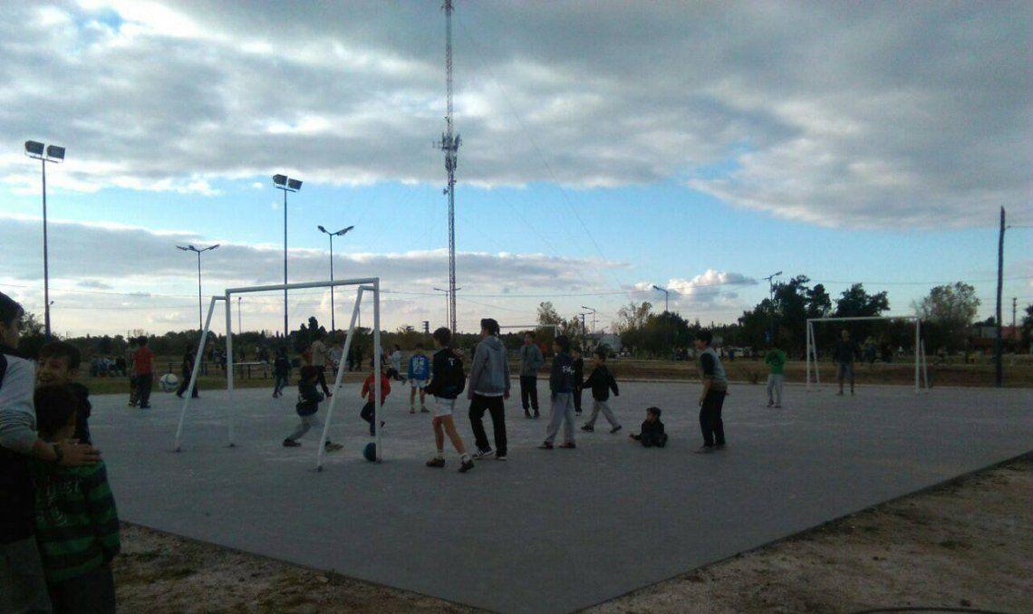 La antena instalada a metros del Parque Municipal Llavallol ya tiene orden de desmantelamiento.