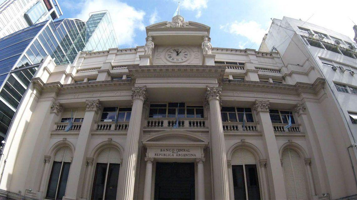 El Banco Central adapta la meta monetaria y mantiene la tasa en 58%