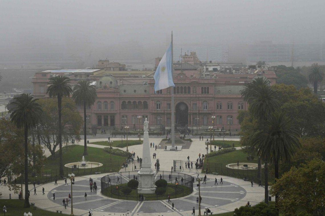 La Legislatura porteña convalidó las rejas en Plaza de Mayo