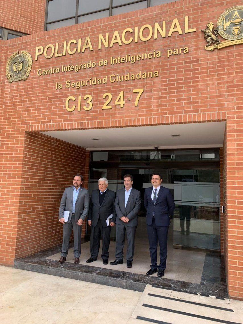 Ritondo se reunió con el general Serrano, exjefe de la Policía de Colombia y quien combatió a los carteles de Medellín y Cali