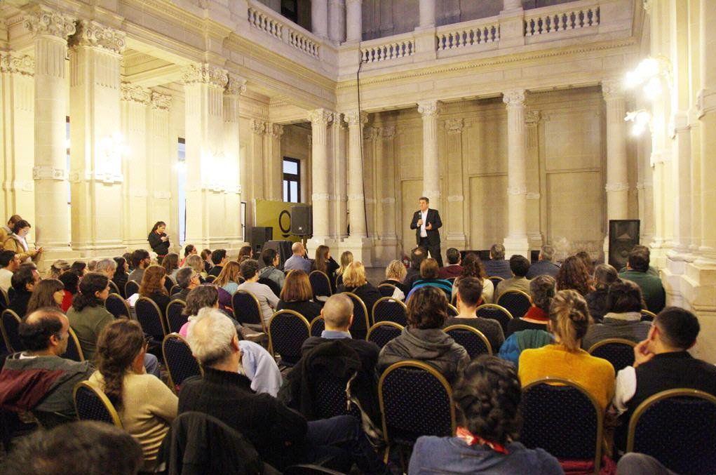 Melé brindó una conferencia en la Casa de la Cultura sobre El valor de la sustentabilidad.