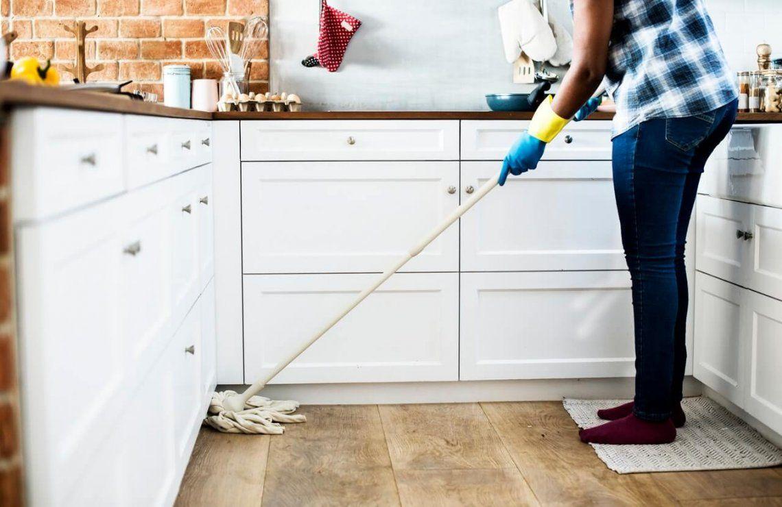 Ordenan pagarle $8 millones a su ex esposa por haberse encargado de las tareas del hogar por 27 años