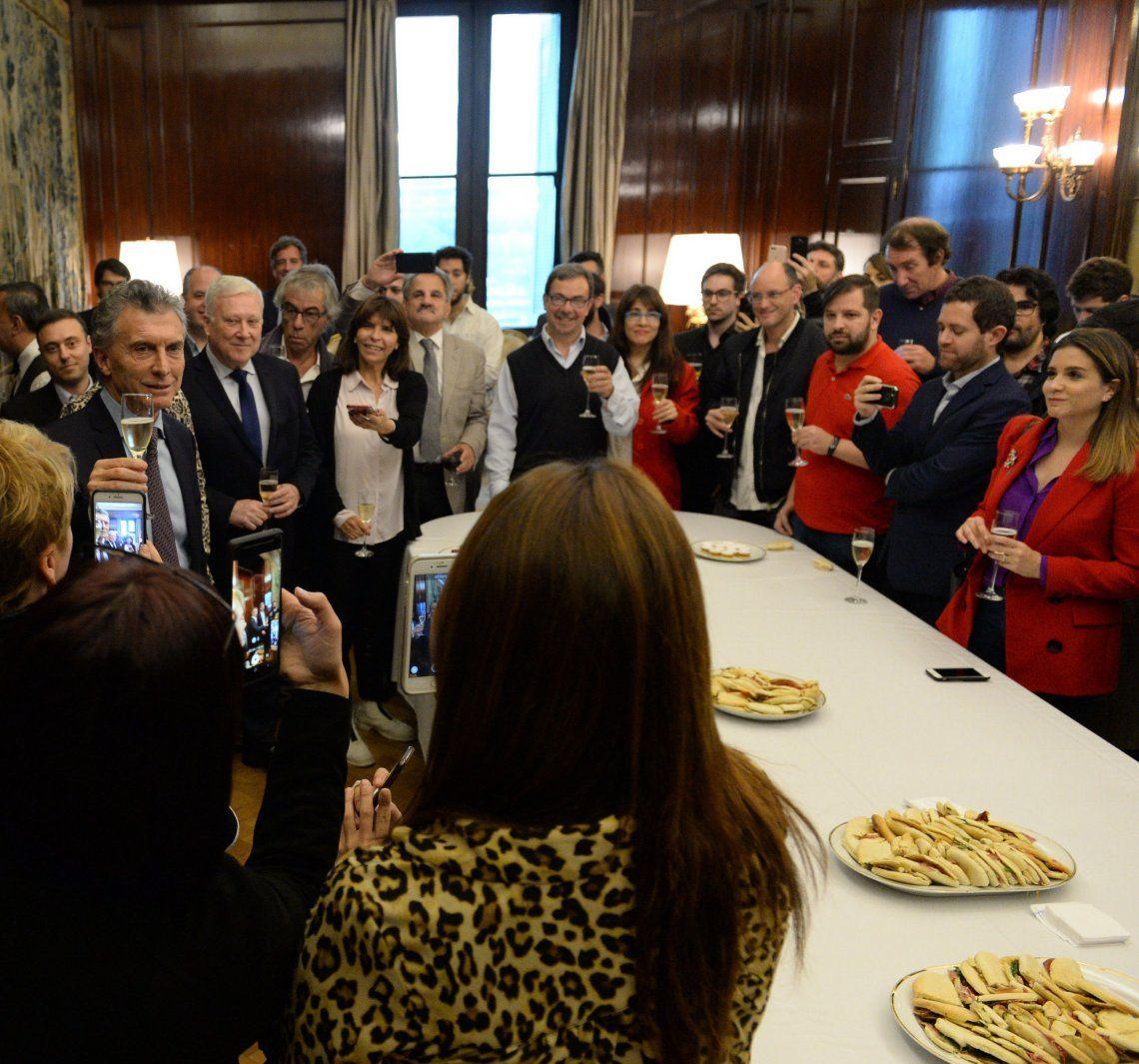 El Presidente agasajó a los periodistas acreditados en la Casa Rosada.