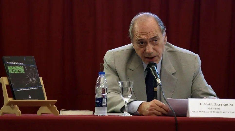 Zaffaroni propone una ley para revisar las causas de los presos políticos